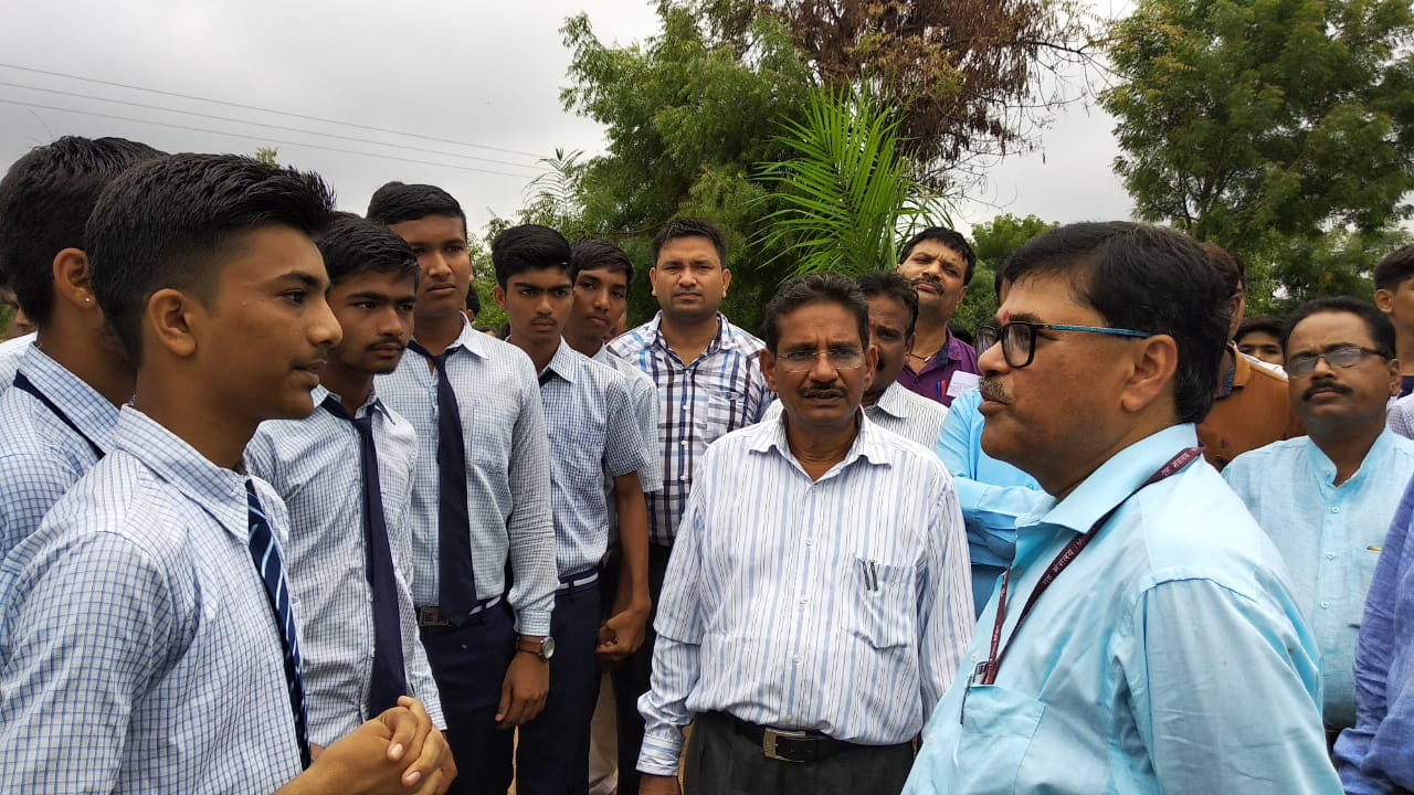 Hon'ble Commisioner's Interaction with JNV Gandhinagar Students